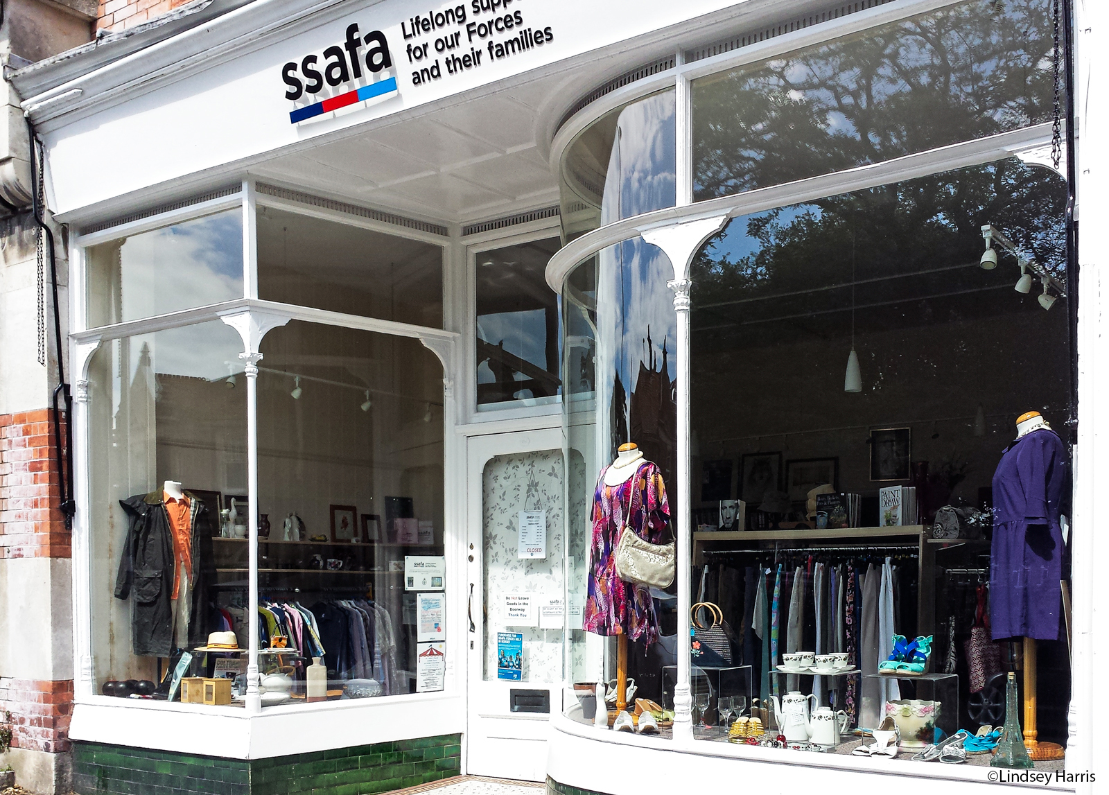 how to set up a charity shop