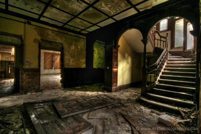 Elvian School & Rotherfield Grange, Berkshire